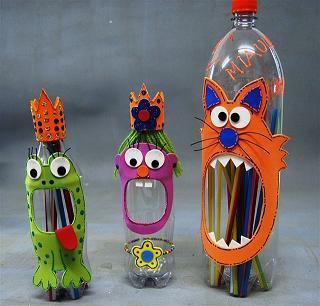 Reciclagem: Porta Lápis feito com garrafa pet e com EVA em formato de  animais